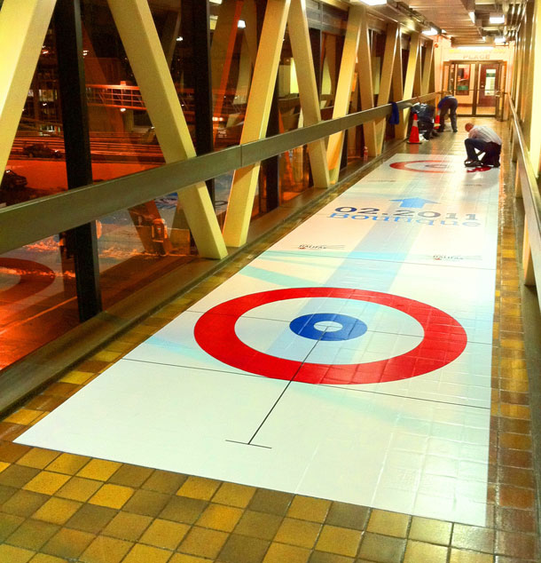 02.2011 Boutique pedway curling decal